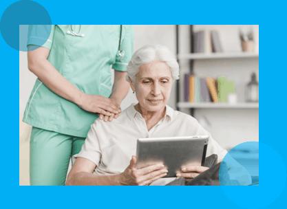 enfermera cuidando abuela innovacion enfermeras cuidamos con amor